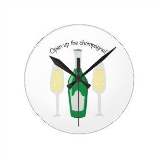 Open Champagne! Round Clock