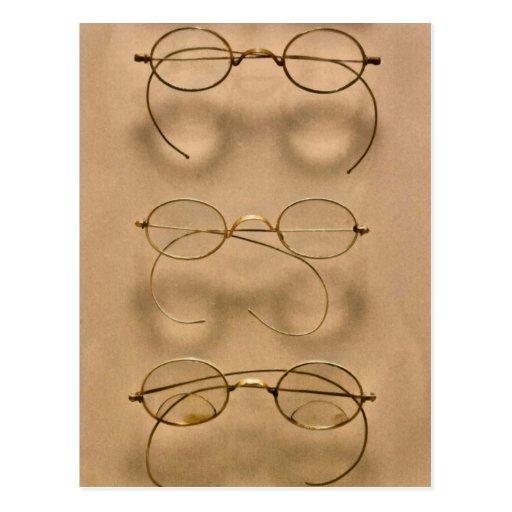 Optometrist - Simple gold frames Postcard