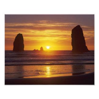 OR, Oregon Coast, Cannon Beach, seastacks at Photo Print