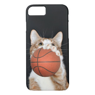 Orange and white tabby plays basketball iPhone 7 case