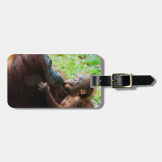 Orangutan mother and baby luggage tag