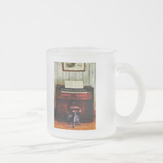 Organ and Swivel Stool Frosted Glass Mug