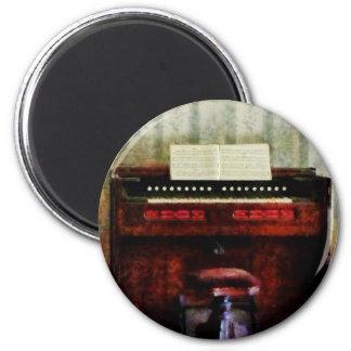 Organ and Swivel Stool 6 Cm Round Magnet