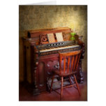 Organist - Playing the songs of the gospel