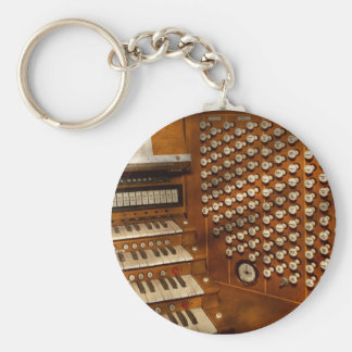 Organist - Ready at the controls Basic Round Button Key Ring
