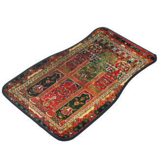 Oriental rug in red and green