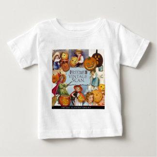 Original vintage halloween illustration baby T-Shirt