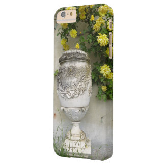 ORNATE PEDESTAL VASE AND YELLOW CASCADING FLOWERS BARELY THERE iPhone 6 PLUS CASE