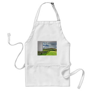 Out of bounds Yorkshire wall Standard Apron