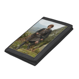 Outlander | Jamie Fraser - Leaning On Rock Tri-fold Wallets