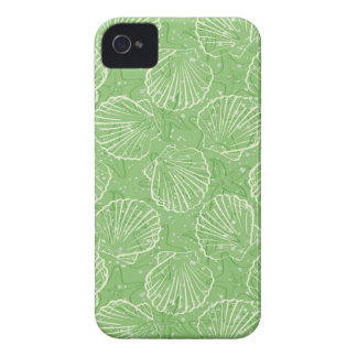 Outline seashells iPhone 4 covers