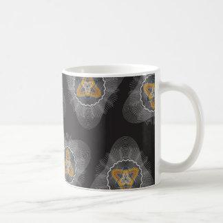 Overlapping Lines Pattern blck Coffee Mugs