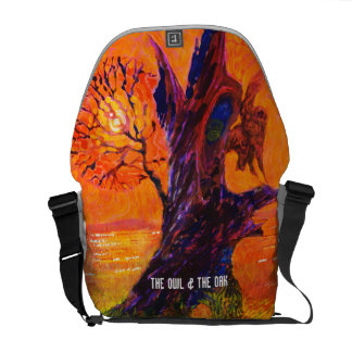 Owl at sunset - Wild animal Messenger Bag