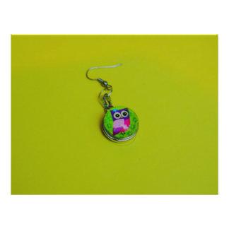 Owl earring macro 21.5 cm x 28 cm flyer