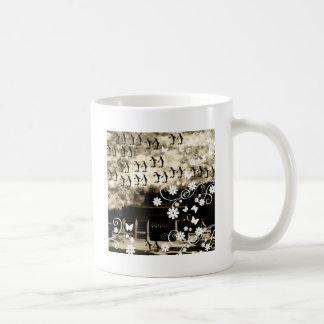 Oyama 祇 shrine and flower and penguin basic white mug