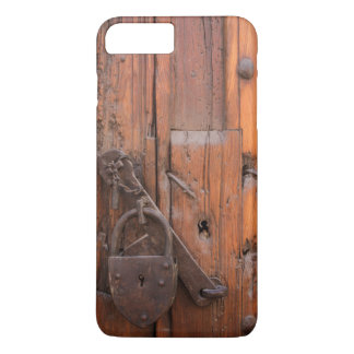 Padlock on wooden door iPhone 8 plus/7 plus case