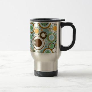 padrão  com formas circulares coffee mug
