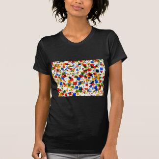 padrão de quadradinhos coloridos t-shirts