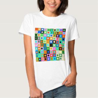 padrão de quadrados coloridos shirts