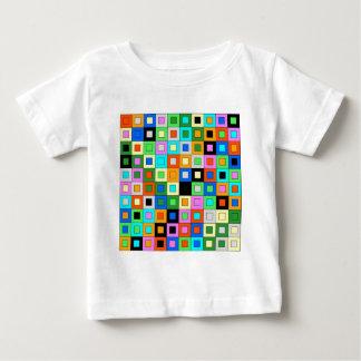 padrão de quadrados coloridos tshirt