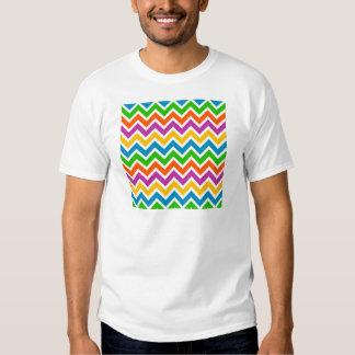 padrão em zig zag shirts