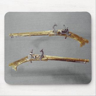 Pair of pistols 1624-26 mousepad