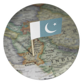 Pakistan flag in map dinner plates