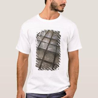 Palacio de Communicaciones, glass flooring T-Shirt