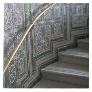 Palacio de Communicaciones, Moorish tiles
