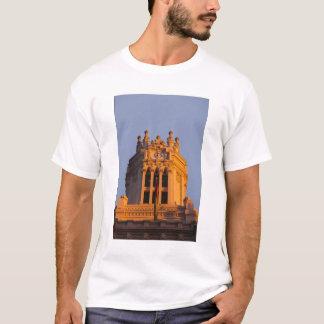 Palacio de Communicaciones, tower detail, sunset T-Shirt