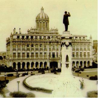 Palacio de Havana Scuplture Standing Photo Sculpture