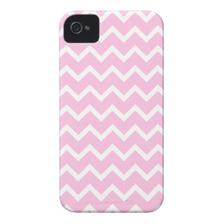 Pale Pink and White Zigzag Pattern. iPhone 4 Cover