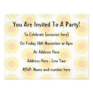Pale Sunflower Background Pattern Invitations