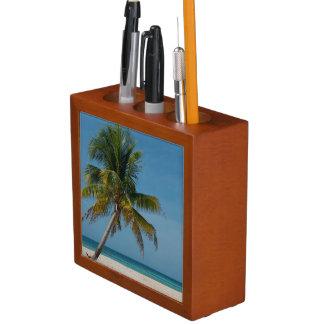 Palm tree and white sand beach  2 desk organiser