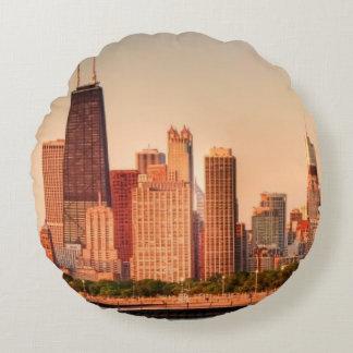 Panorama of Chicago skyline at sunrise Round Cushion