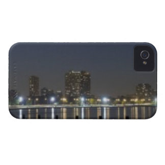 Panoramic view of Chicago's North Avenue Beach 2 iPhone 4 Cover