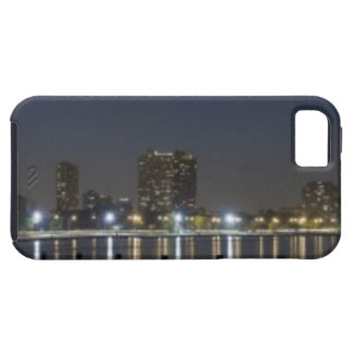 Panoramic view of Chicago's North Avenue Beach 2 Tough iPhone 5 Case