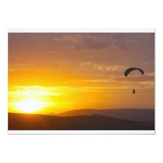 Paragliding on the sunset 13 cm x 18 cm invitation card