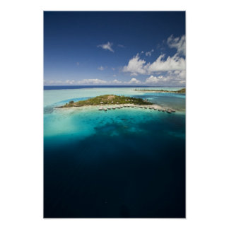 Parasailing over the beautiful lagoon of Bora Poster