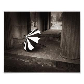 Parasol, Encrypted Photograph
