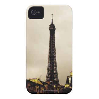Paris, The Eiffel Tower. 2 iPhone 4 Case-Mate Case