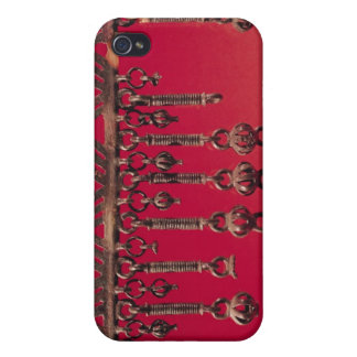 Parure with bell pendants case for the iPhone 4