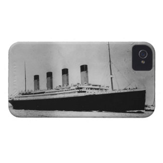 Passenger Liner Steamship RMS Titanic iPhone 4 Case-Mate Cases