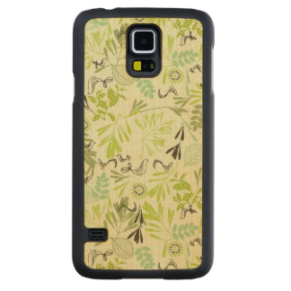 pattern displaying little baby birds carved maple galaxy s5 case