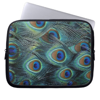 Pattern in male peacock feathers laptop sleeve