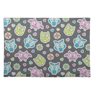 pattern of cartoon owls placemat