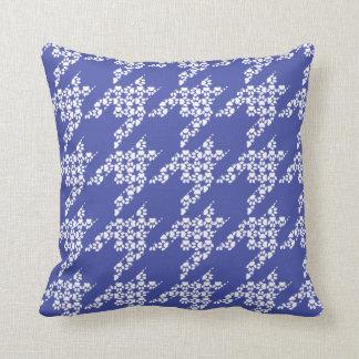 Paws-for-Décor Houndstooth Pillow (Cobalt)