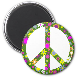 Peace and Love 6 Cm Round Magnet