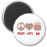 Peace Love 60 6 Cm Round Magnet