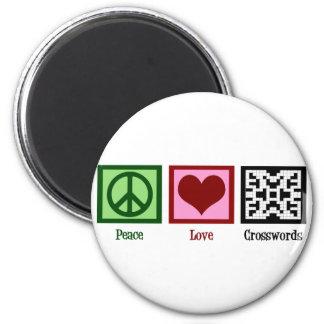 Peace Love Crosswords 6 Cm Round Magnet